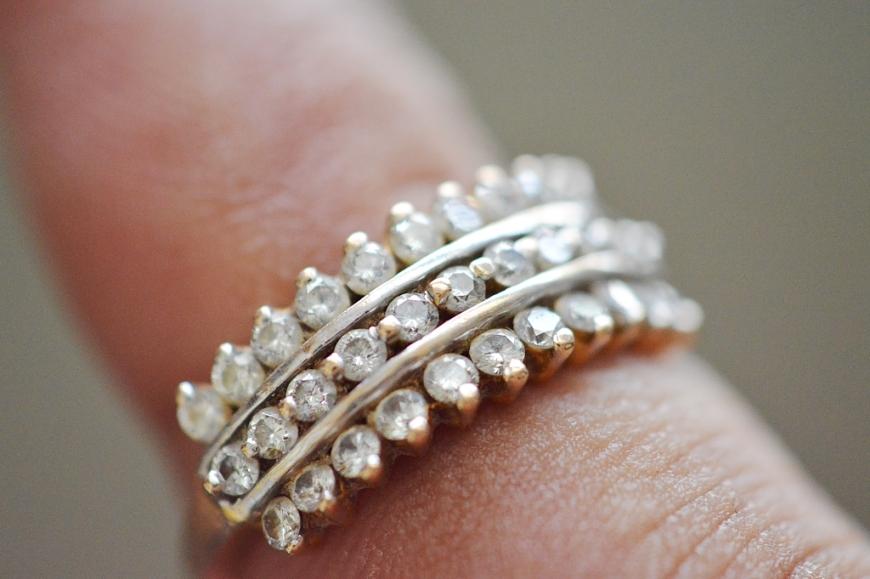 2d0aebde46a68 10 dicas que você deve seguir para deixar suas joias sempre com cara de nova