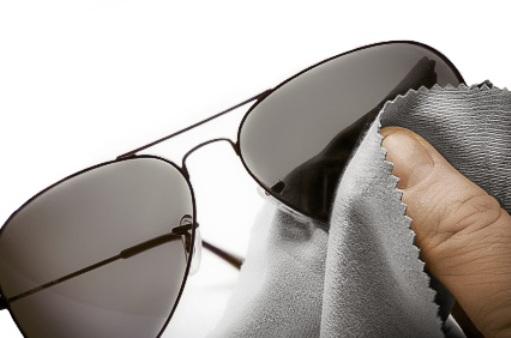 3912f56d01cf4 Como remover arranhões das lentes dos seus óculos de sol