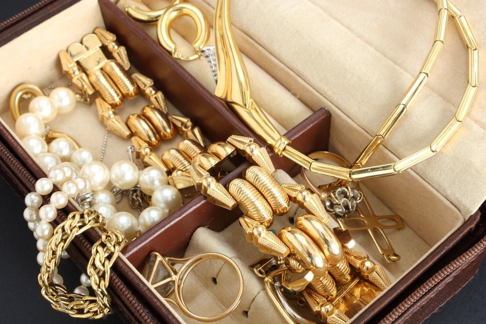 94b8846889590 Blog Gold Finger